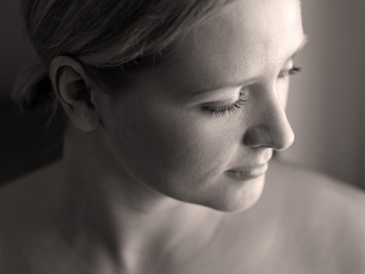 Sensibles Portrait von Jenny. Fotografin ist Astrid Schulz aus Bremen.
