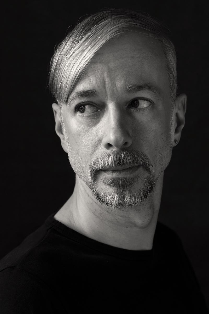 Schwarz-Weiss-Portrait von Volker Diekamp.