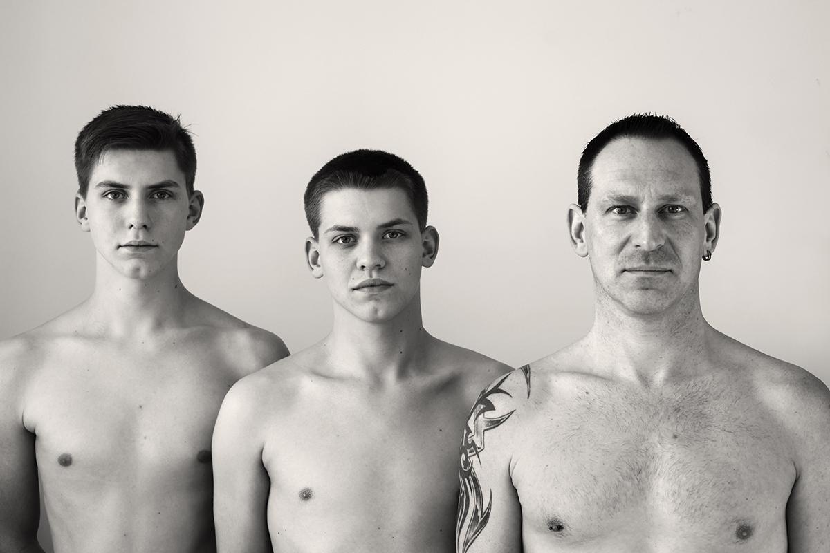 Vater und Söhne - aufgenommen von Fotografin Astrid Schulz aus Bremen.
