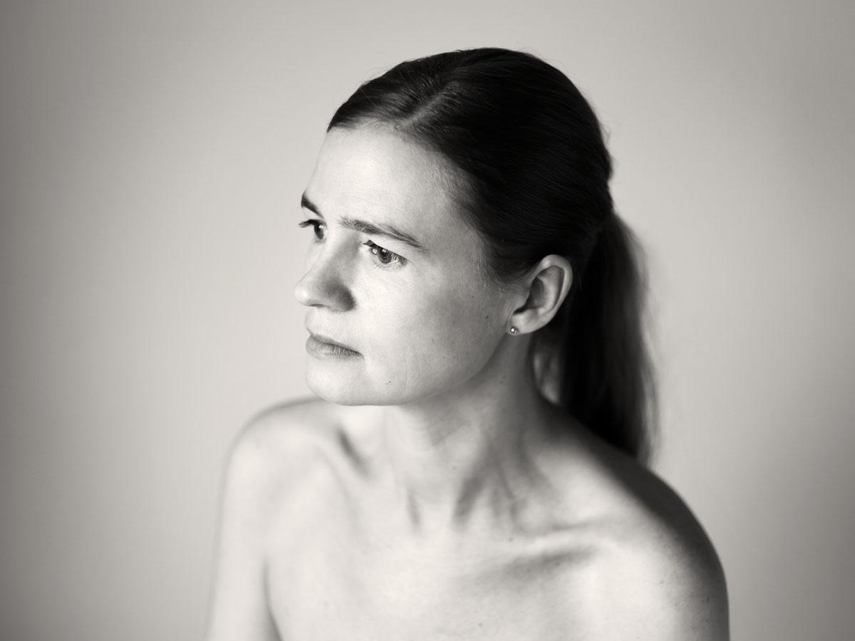 Portrait-Frau-Schultern-Haare