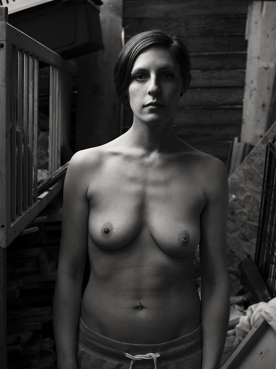 Aktportrait Outdoor von der Fotografin Astrid Schulz aus Bremen.