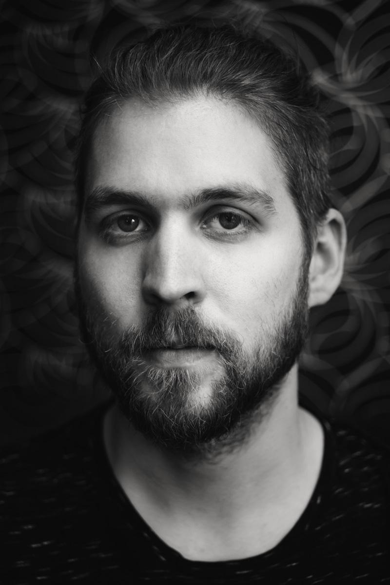 Portrait von Konstantin, aufgenommen von Fotografin Astrid Schulz aus Bremen.