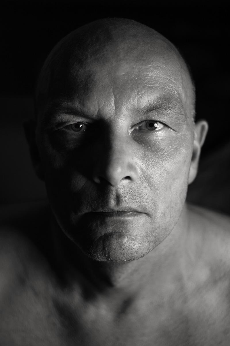 Intensives Charakterportrait in schwarz-weiß. Fotografin / Künstlerin: Astrid Schulz, bremen.