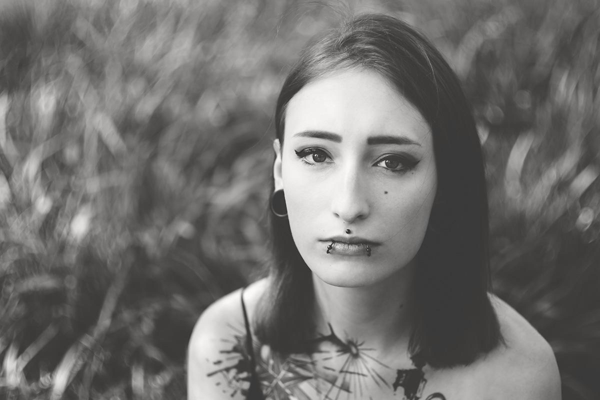 Portrait von Julia. Aufgenommen von Fotografin Astrid Schulz aus Bremen.